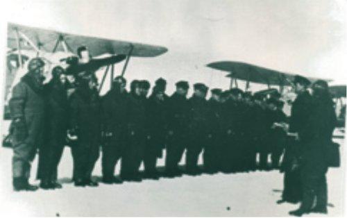4-й полк, город Вологда, выступает комиссар т. Тычинкин